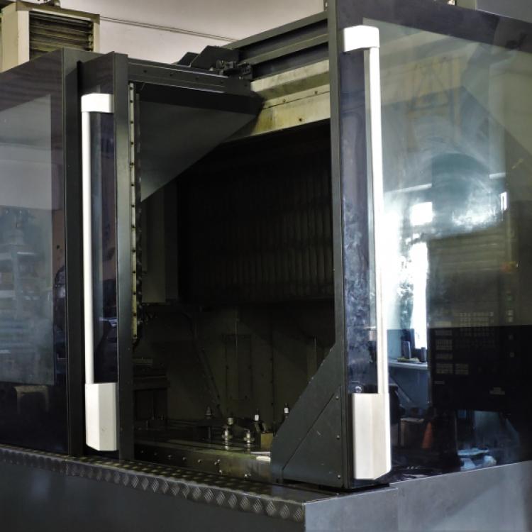 MAKINO F9 - Centro di lavoro verticale 1600x800x900
